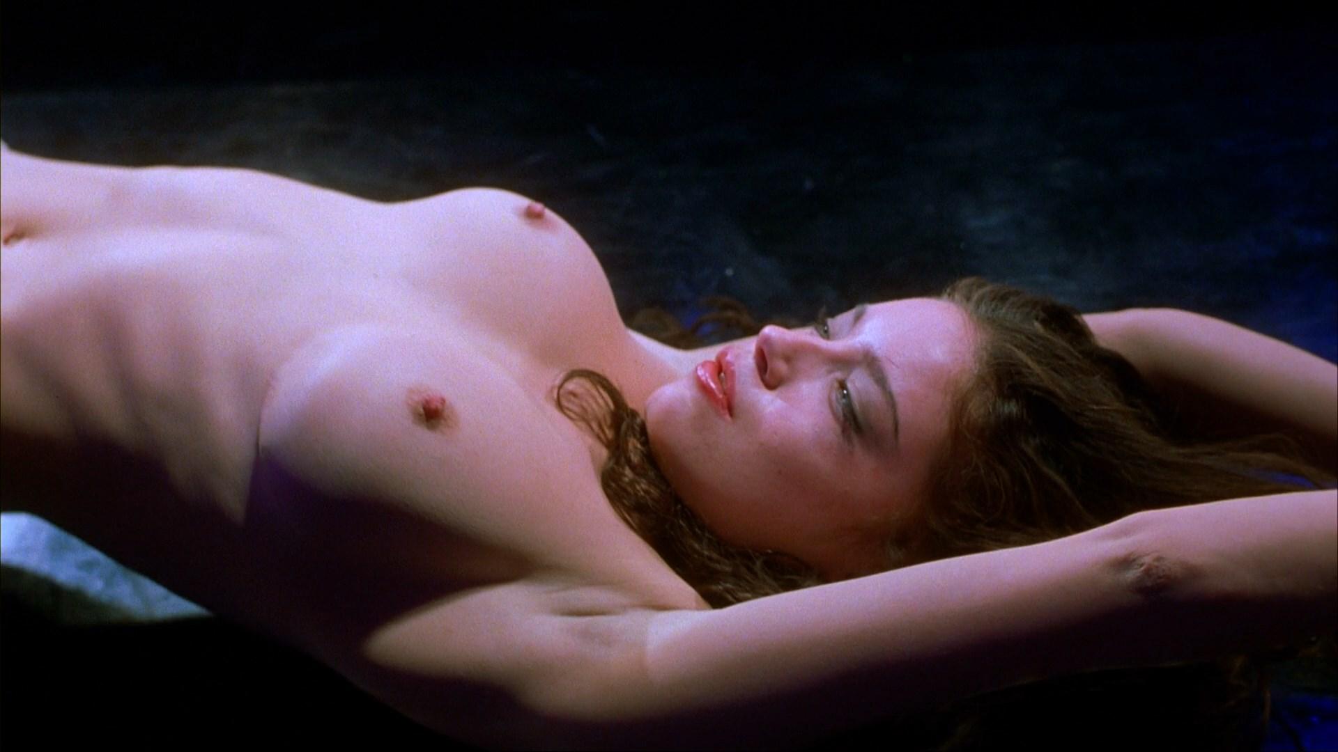 breasts Jennifer tilly