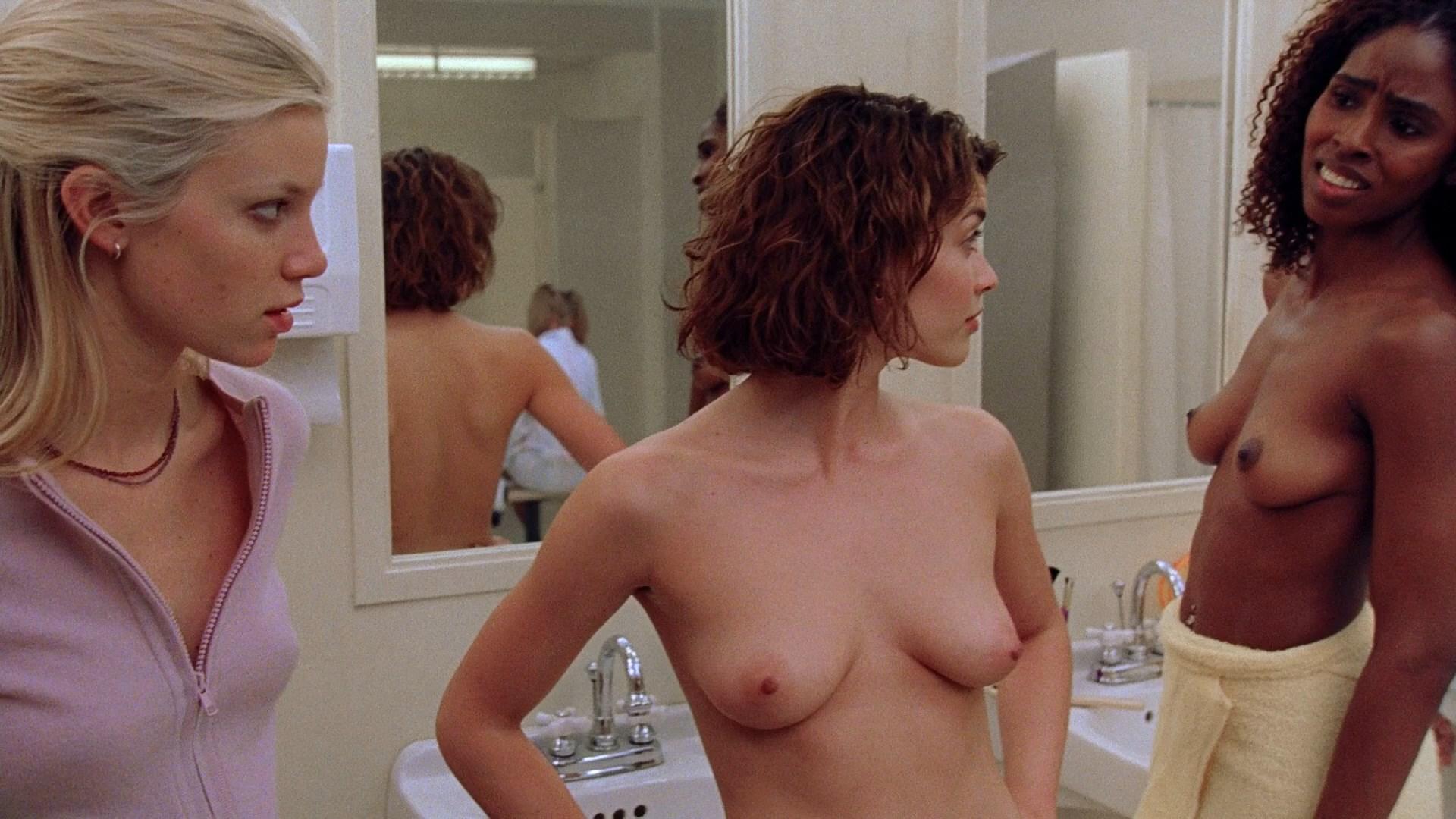 Superstar Amy Smart Nude Clips HD