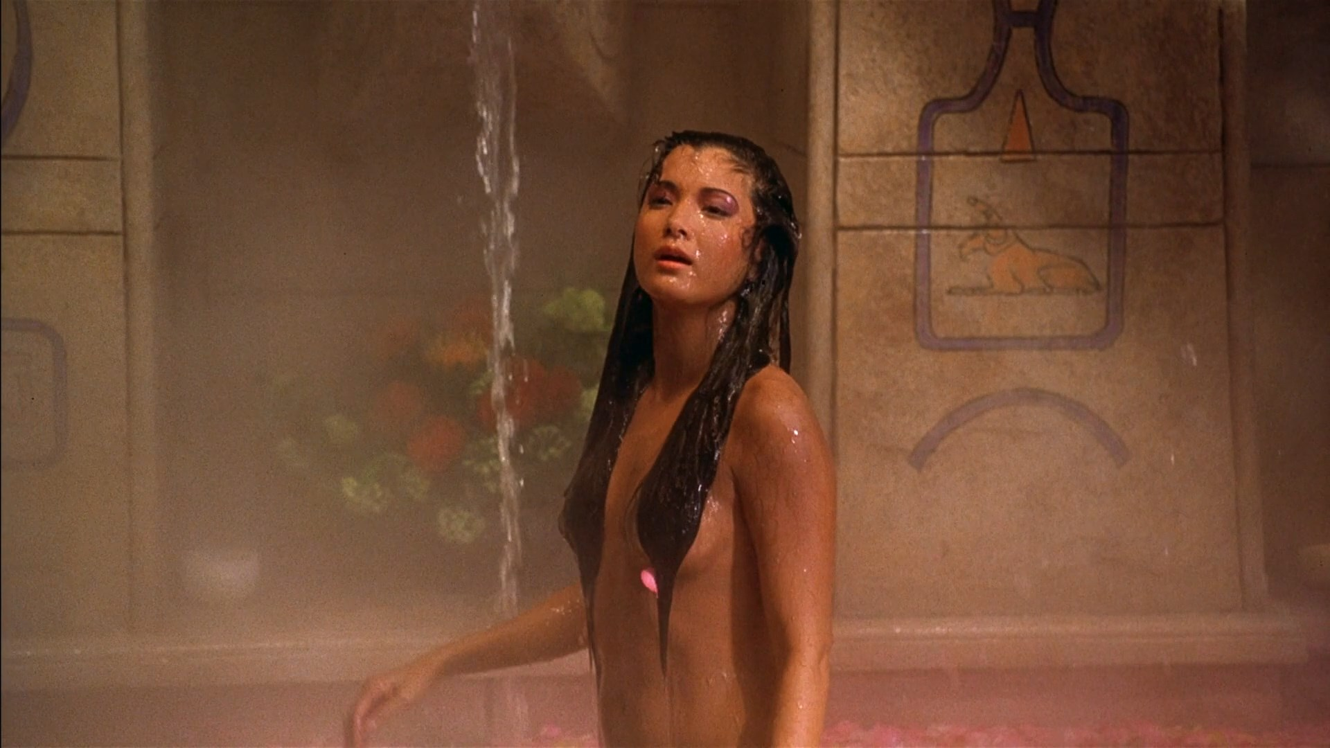 girl-kelly-hu-topless-pics-ass