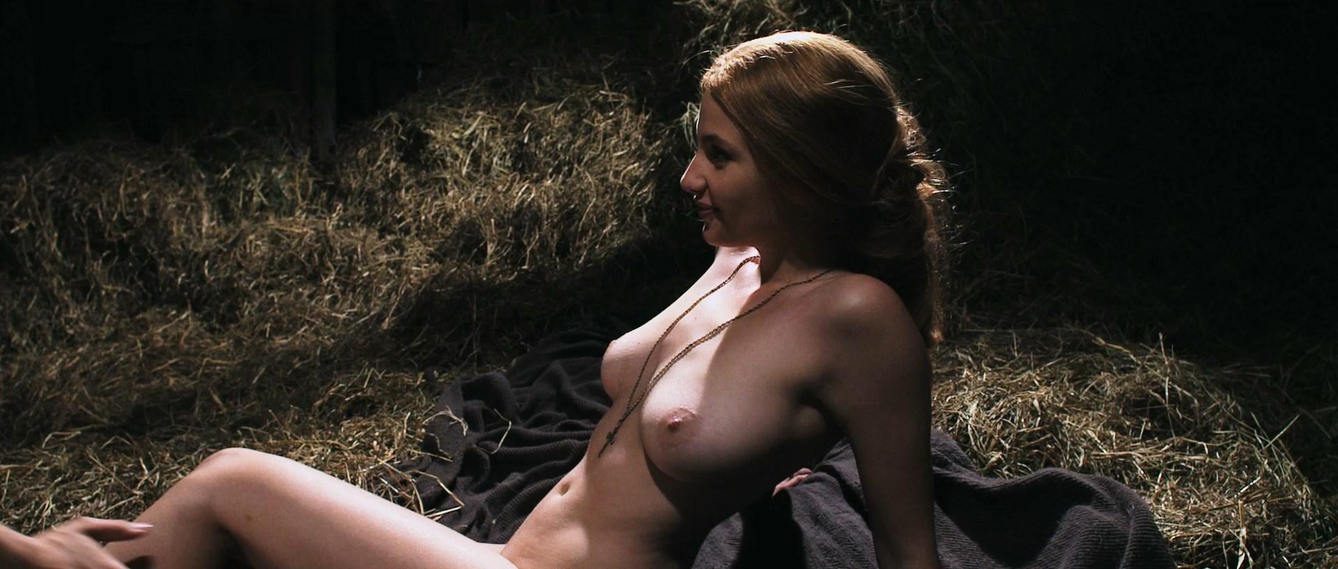 female-dracula-naked-seduction-pics