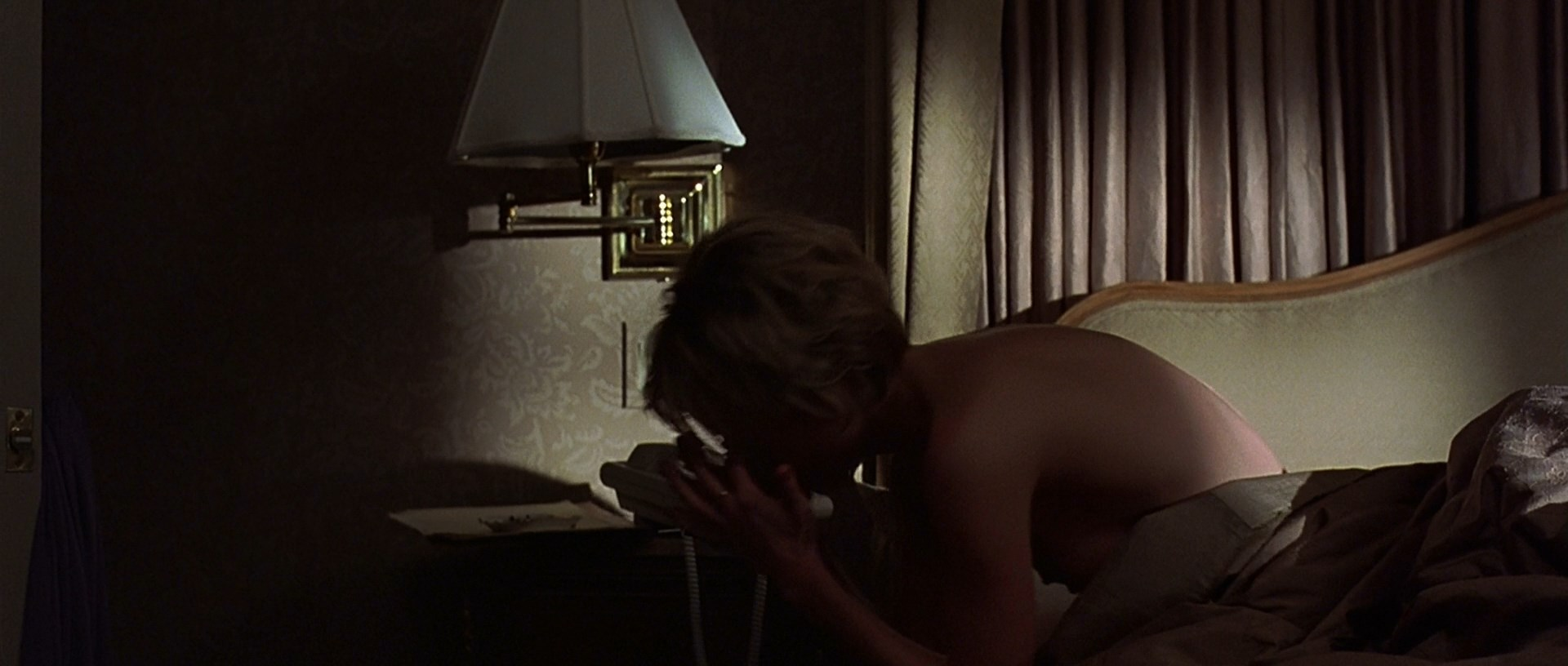 Naked Anne Heche In The Juror Ancensored